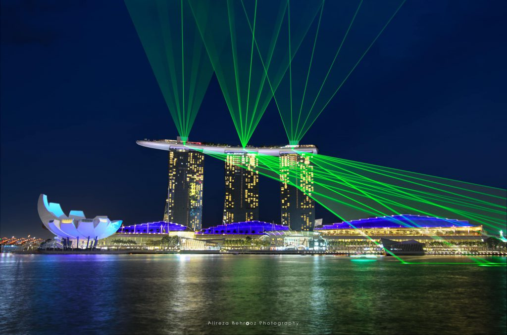 Eye catching MBS light show, Singapore